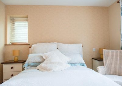 Accommodation-Uplyme-Bed-Breakfast-6
