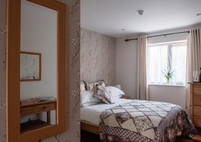 Room-4-Accommodation-Uplyme-Bed-Breakfast-10