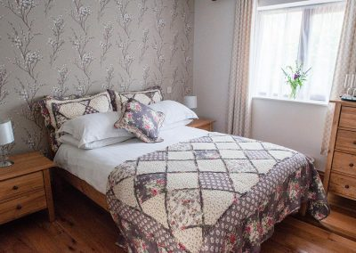 Room-4-Accommodation-Uplyme-Bed-Breakfast-5