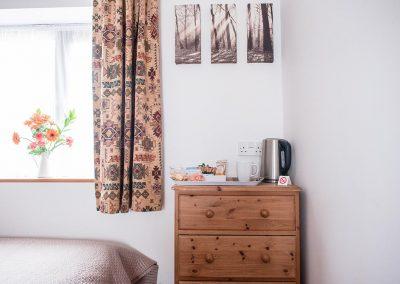 Room-5-Twin-Room-Accommodation-Uplyme-Devon-13