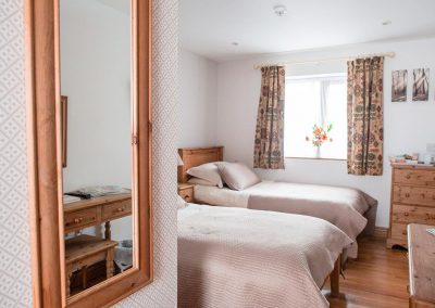 Room-5-Twin-Room-Accommodation-Uplyme-Devon-9