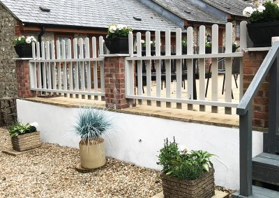 Raised Garden and Potted Plants - Talbot Arms Free House Uplyme